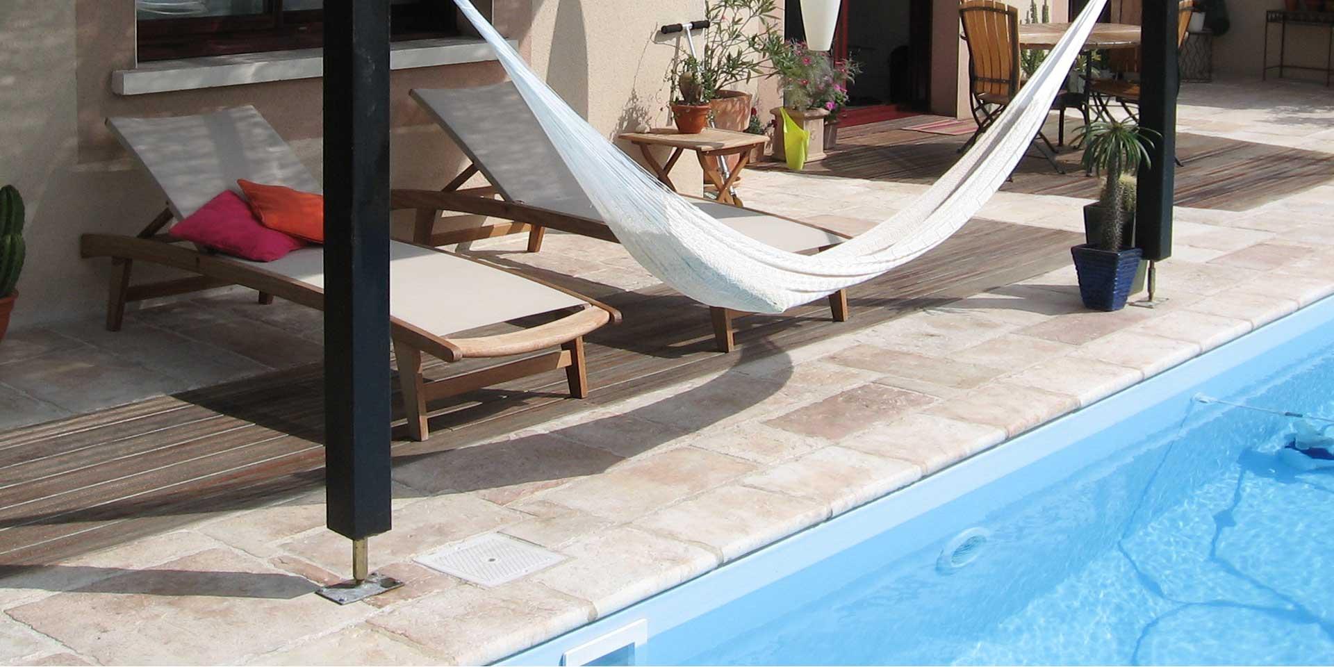 salon jardin maçonnerie piscine